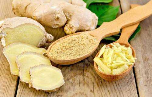 сок из сельдерея, ананаса, огурца, имбиря и лимона уменьшит живот